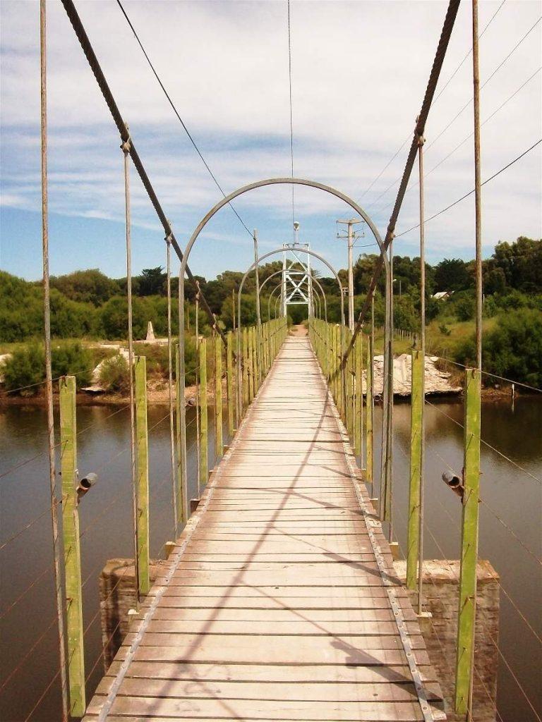 Puente colgante Claromecó