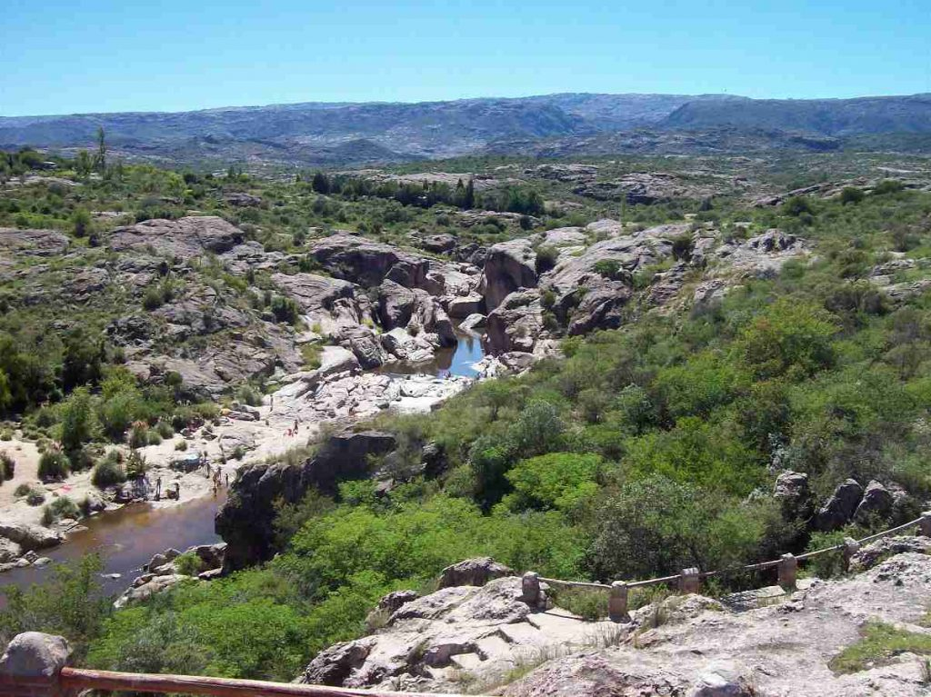 Foto panoramica Balneario Nido del Águila Mina Clavero