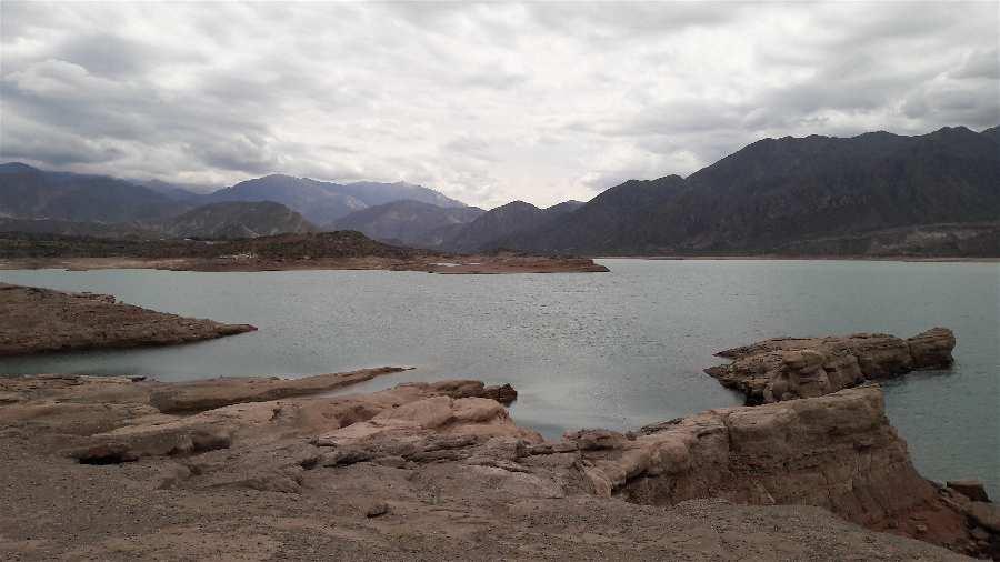 Lugares para visitar en Mendoza Embalse Potrerillos
